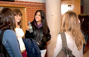 <p>El Viernes, <strong>24 de noviembre, a las 17:00 hs., en el Paraninfo de la UAH</strong>, con motivo de la Festividad de San Alberto Magno tendr&aacute; lugar la Graduaci&oacute;n de los alumnos del Grado en Qu&iacute;mica, del curso 2016-2017. Puedes consultar el programa de actos en el enlace de la noticia.</p>